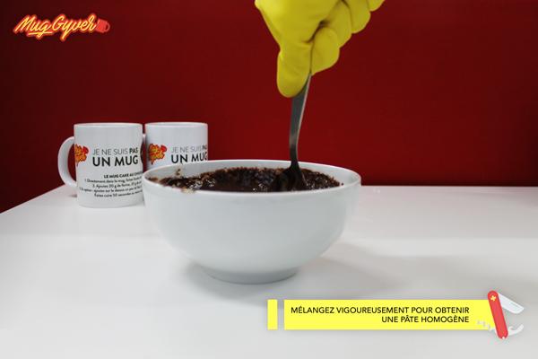 Faire un mug cake au chocolat avec Foodette et Mug Gyver